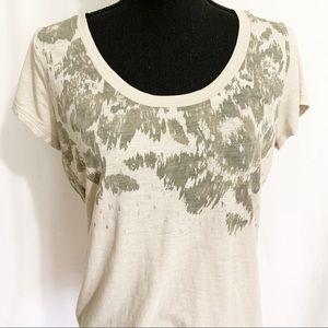 Eddie Bauer distressed cream & gray T-shirt